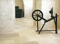 Pavimento In Pietra Di Trani : Rivestimenti in pietra e marmi rivenditore autorizzato